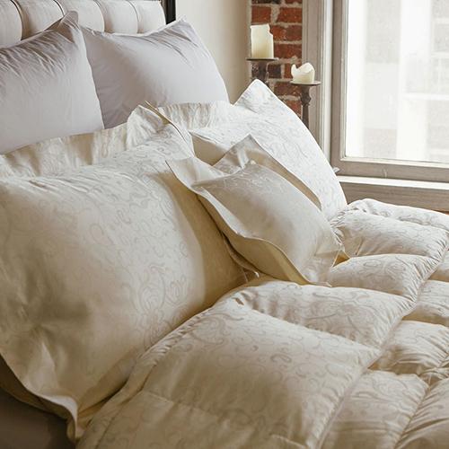 Cozy Down Opulence Medium Down Comforter