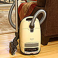 Miele S8590 Alize Vacuum Cleaner