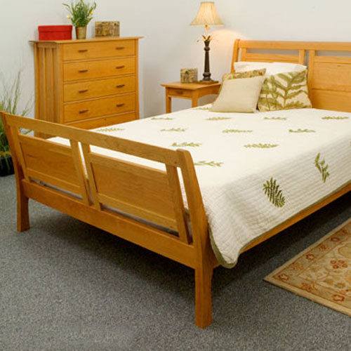 Vermont Furniture High Footboard Sleigh Bed